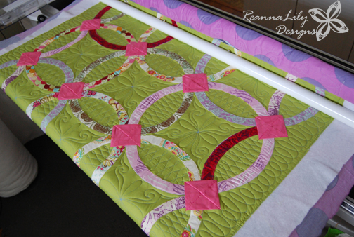 Quilting a Double Wedding Ring Quilt | Jen Eskridge | ReannaLily Quilts | ReannaLily Designs | Longarm Quilting