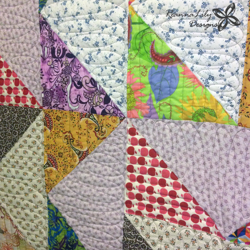 Giant Flying Geese Using Layer Cakes | Quilting Pattern | Jen Eskridge | ReannaLily Designs | ReannaLily Quilts | Longarm QuiltingGiant Flying Geese Using Layer Cakes | Quilting Pattern | Jen Eskridge | ReannaLily Designs | ReannaLily Quilts | Longarm Quilting
